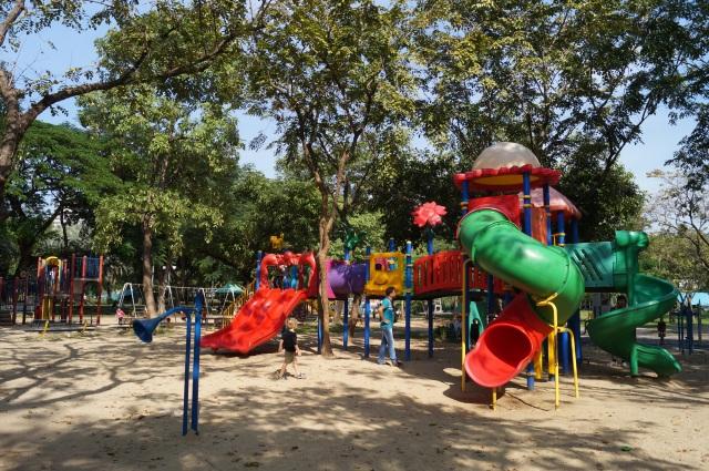 Bangkok with kids - Lumpini Park