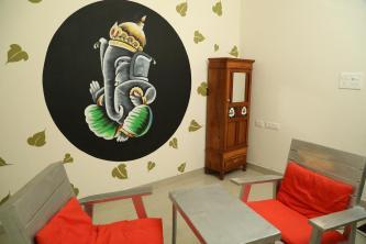 La Maison Radha Birds Room - living room