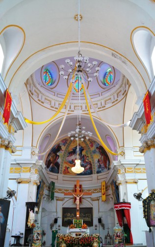 Sri Manakula Vinayagar Temple - inside