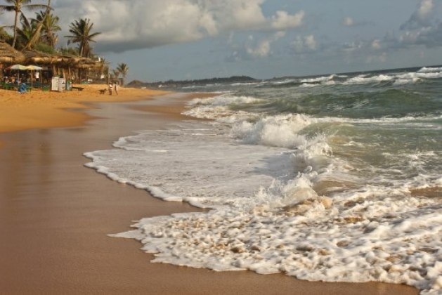 Best family beaches in Sri Lanka - Hikkaduwa