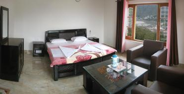 Bhandari_Swiss_Cottages_room