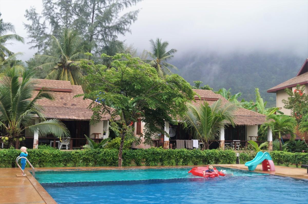 Koh Lanta with kids - Banana Beach Resort